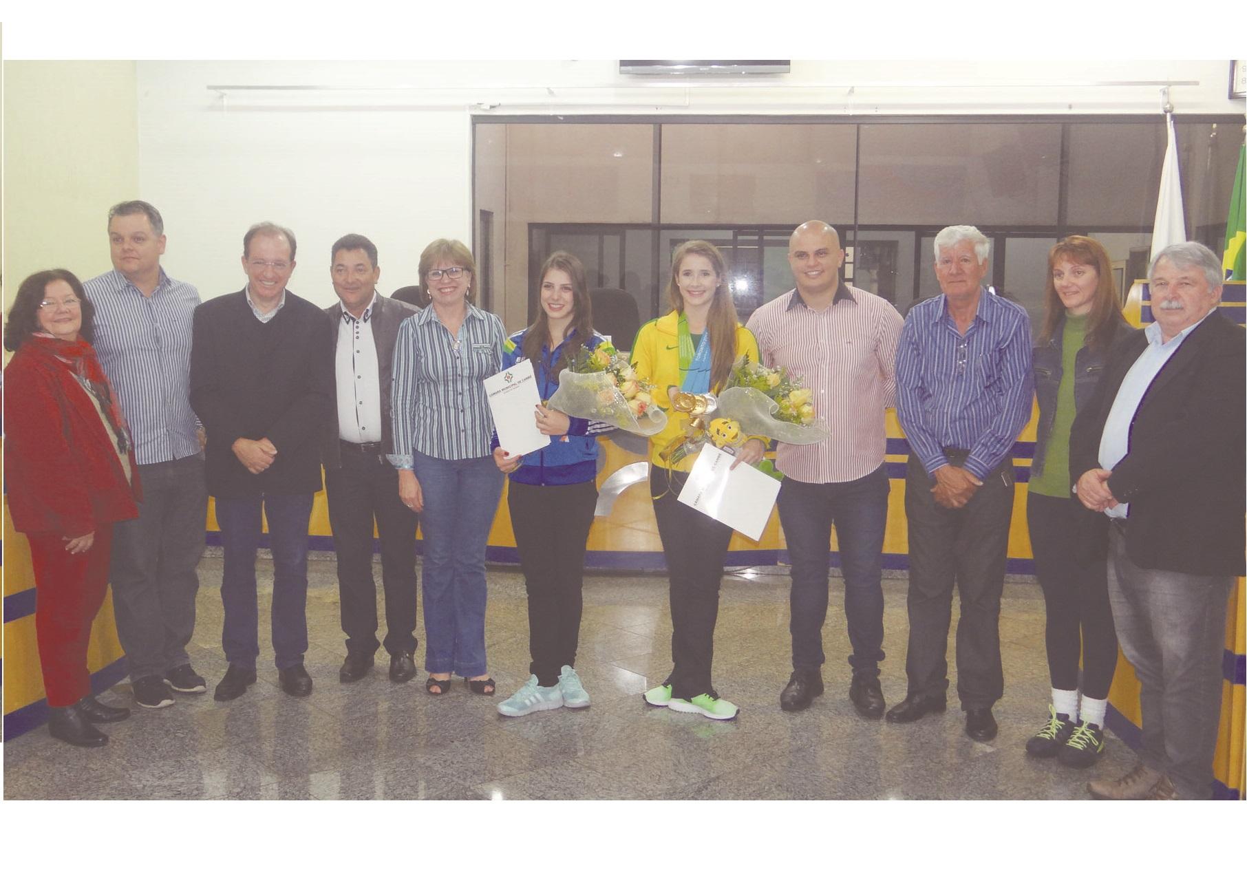 Atleta cambeense que conquistou  Medalha de Ouro pela seleção  brasileira é homenageada