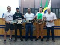 Campeões de Boxe e K1 da Iska Paraná visitaram a CMC.
