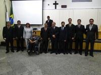 """Delegado Valdir Abrahão recebe a Comenda """"Grão de Café"""" da Câmara Municipal"""