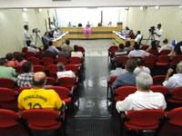 Requerimentos e ofícios apresentados pelos Vereadores na sessão ordinária do dia 14/10/2013