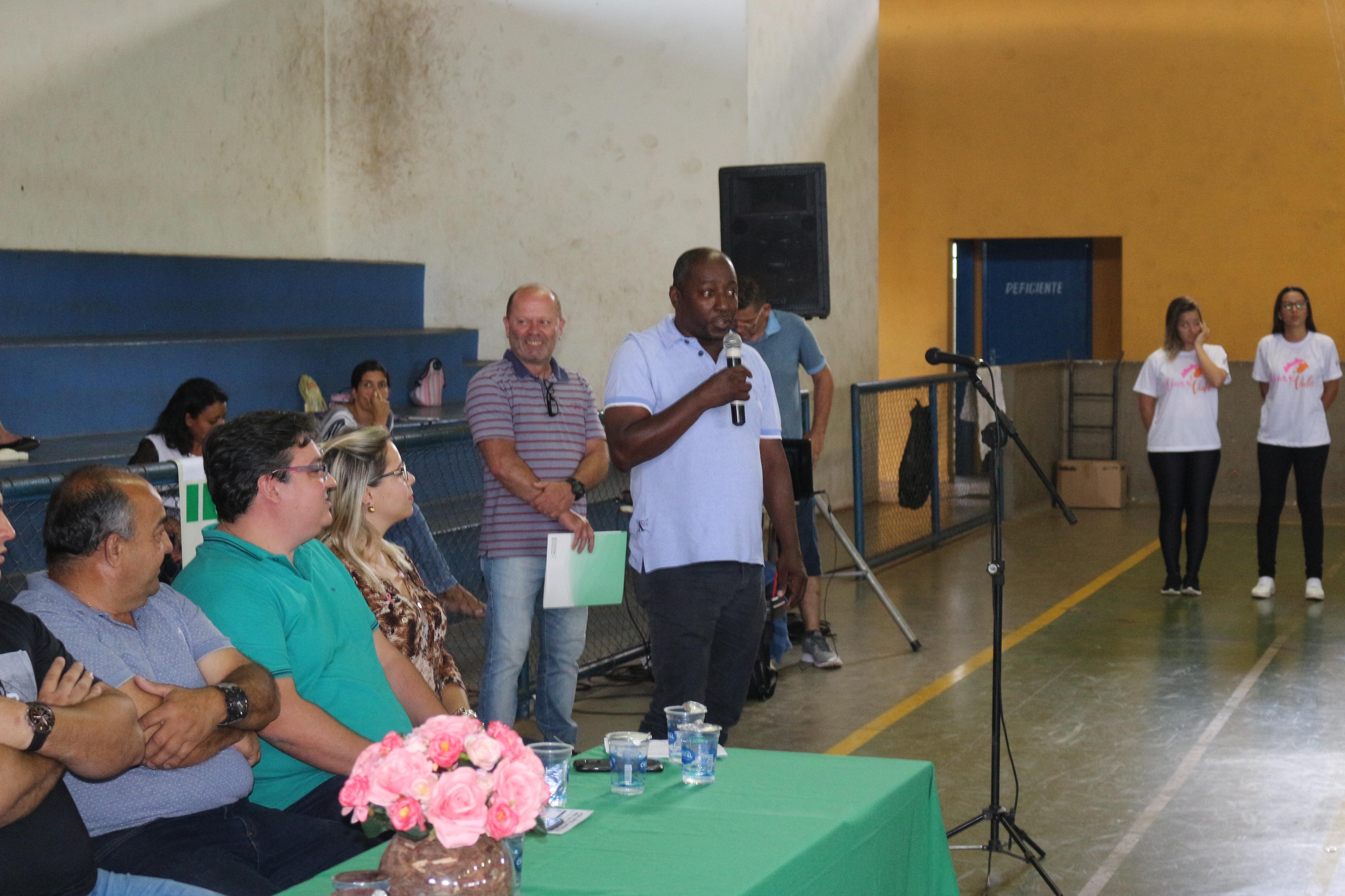 Vereador Nilson da Bahia representa Câmara na aberturada da olimpíadas dos idosos