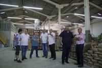 Vereadores Zé Guilherme e Paulo Soares visitam empresa em desenvolvimento